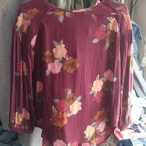 BNWOT Beautiful loft peasant style blouse